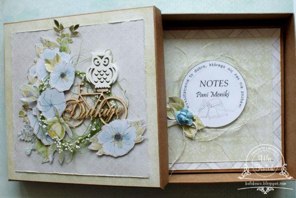 notes w pudełku